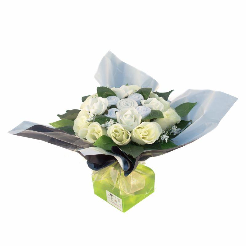Bouquet de 5 layettes : Mélodie blanc pour un cadeau de naissance rigolo