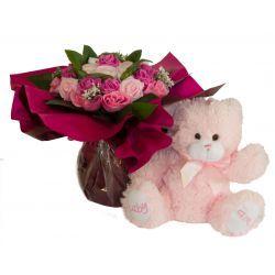 Bouquet de 8 layettes et son ourson Rose