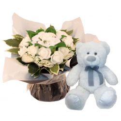 Bouquet de 8 layettes et son ourson Blanc